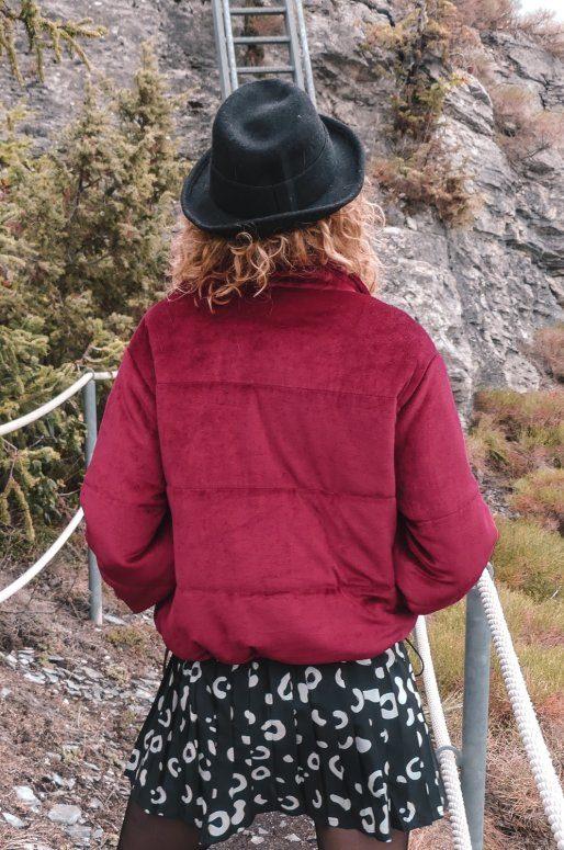 Veste en velours rouge avec fermeture éclair