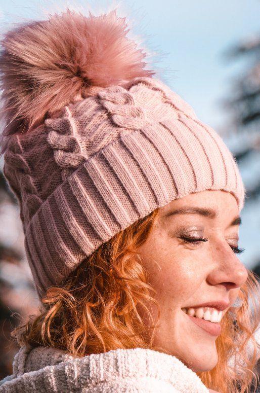Bonnet rose à pompon