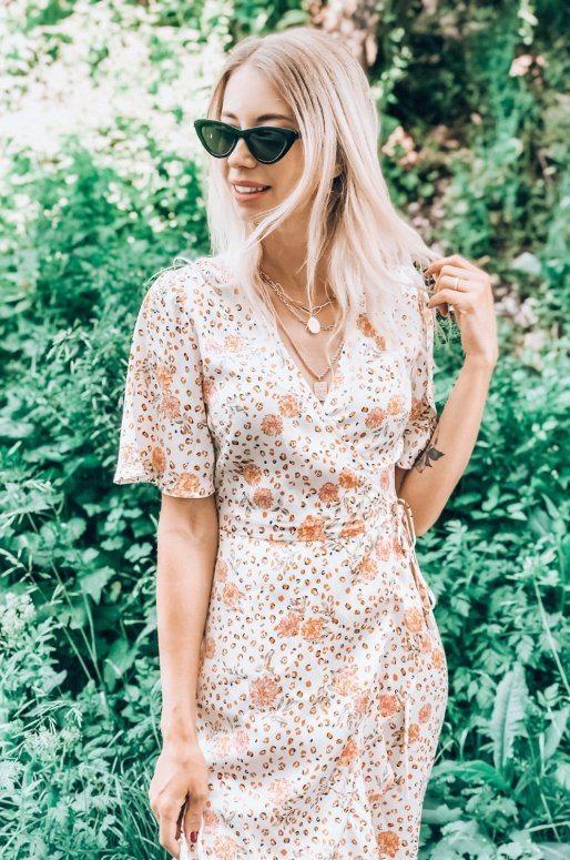 Longue robe cache cœur dans les tons beige et orange