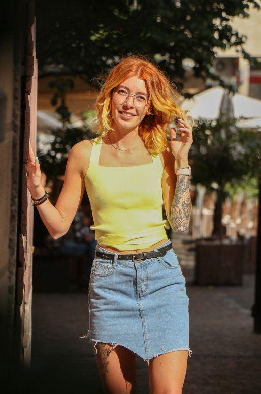 Mini jupe en jean à ourlet asymétrique