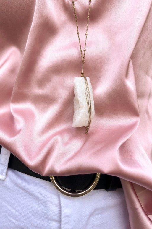 Sautoir doré avec pendentif en cristal blanc