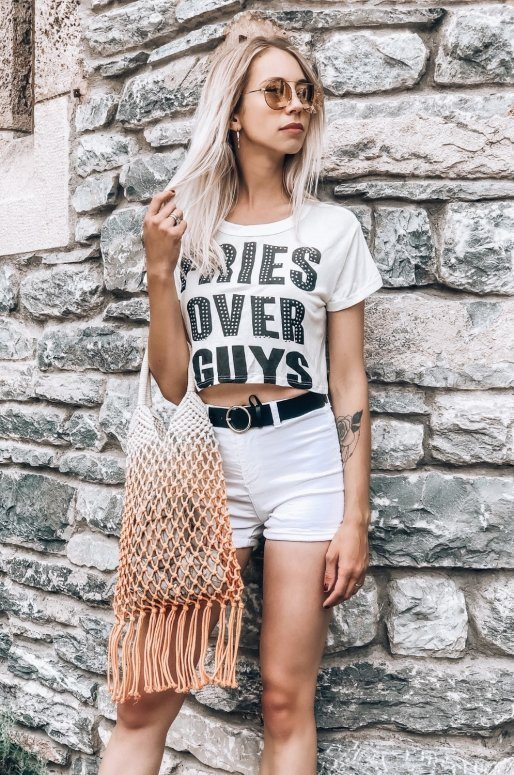 "T-shirt blanc avec inscription ""FRIES OVER GUYS"""