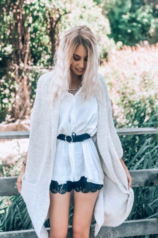 Long cardigan en tricot de couleur beige