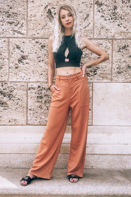 Pantalon taille haute de couleur camel