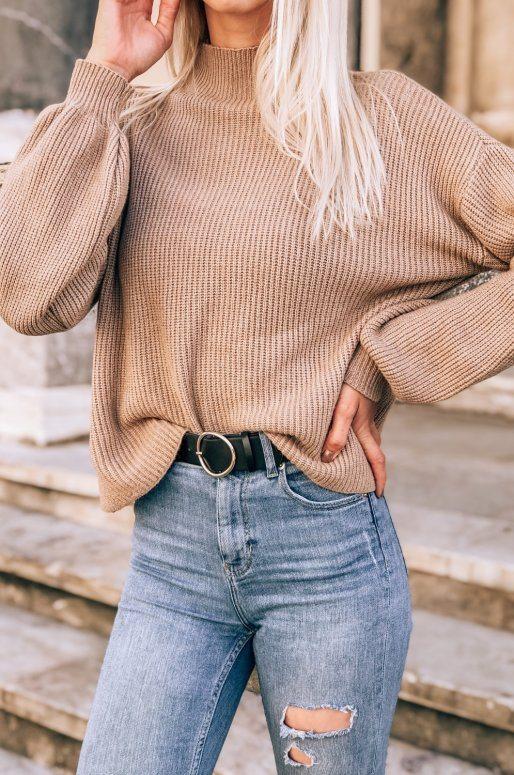 Pull en tricot à col haut de couleur taupe