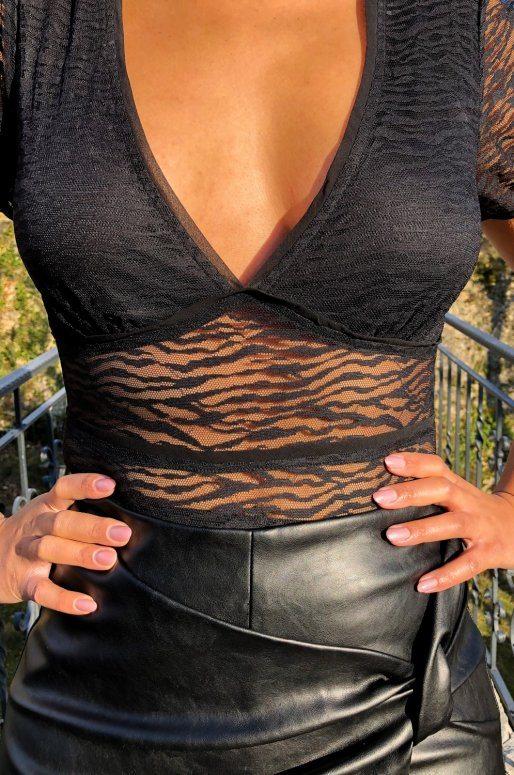 Body noir semi-transparent