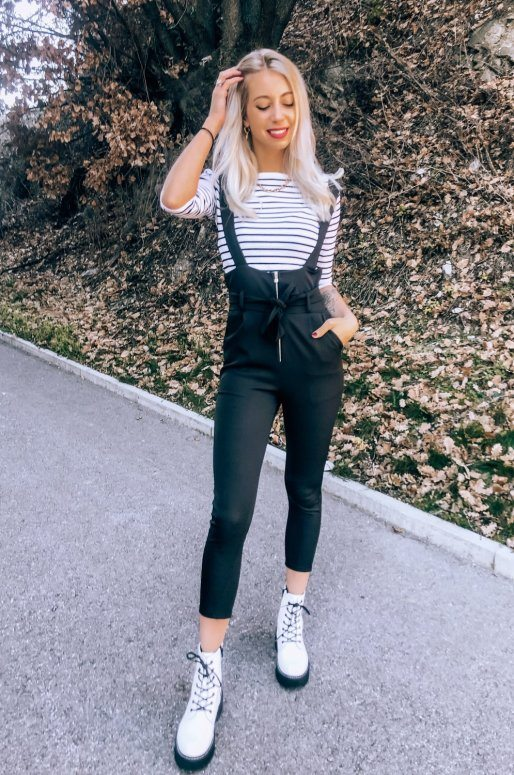 Pantalon noir taille haute à bretelles