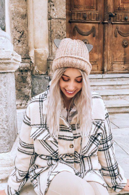 Bonnet en tricot avec oreilles de chat en strass