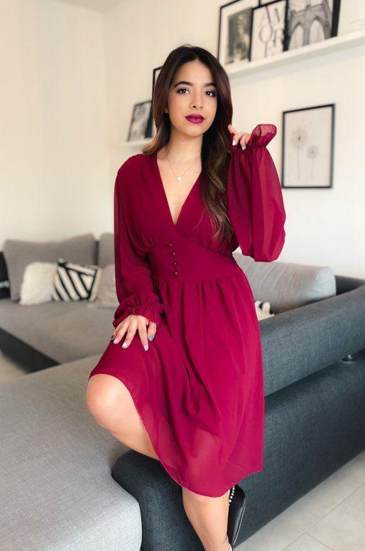 Robe romantique de couleur rouge