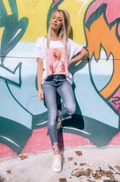 """T-shirt blanc avec photo de femme et inscription """"90's Baby"""""""