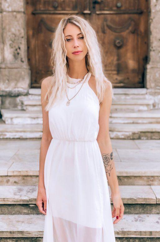 Longue robe blanche dos nu