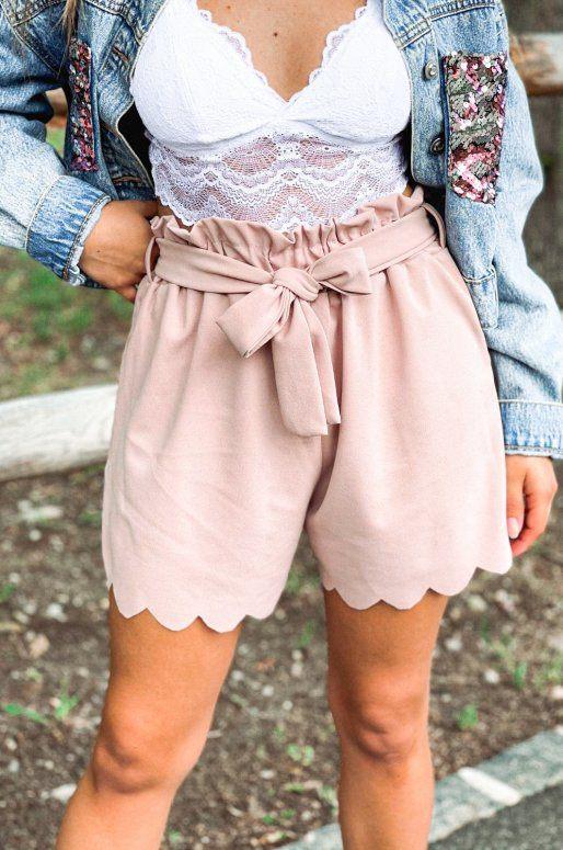Short taille haute de couleur rose