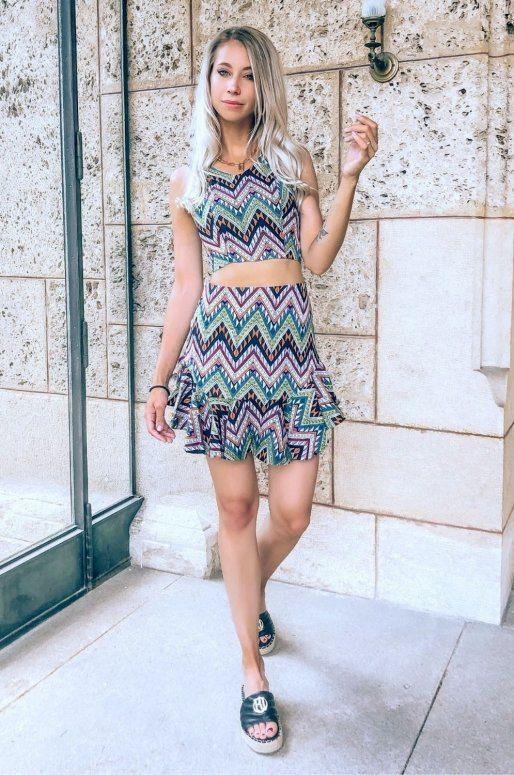 Ensemble top et mini-jupe imprimé géométrique