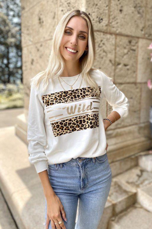 Sweat blanc avec inscription wild et imprimé léopard