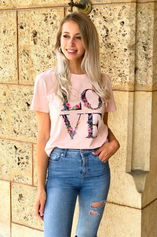 T-shirt rose avec inscription LOVE