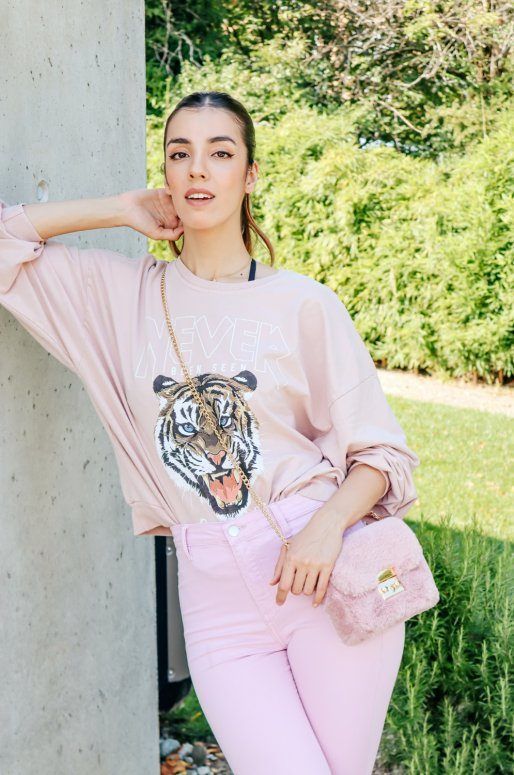 Sweat manches longues de couleur rose avec dessin de tigre