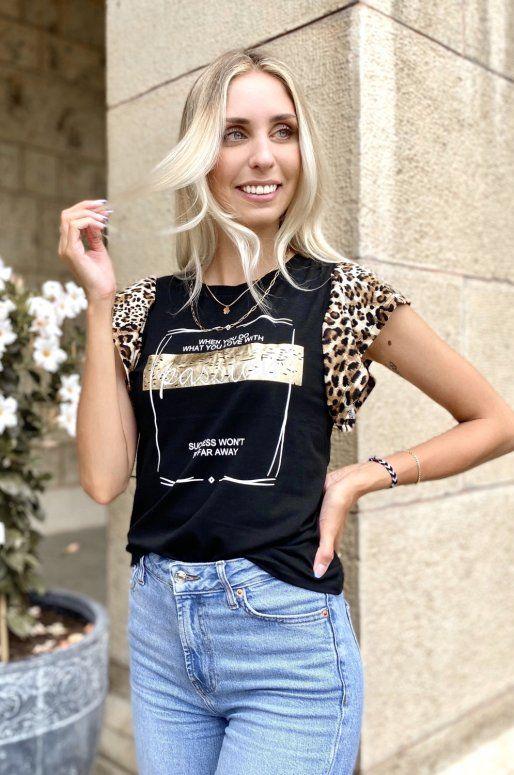T-shirt noir à message, manches imprimé léopard