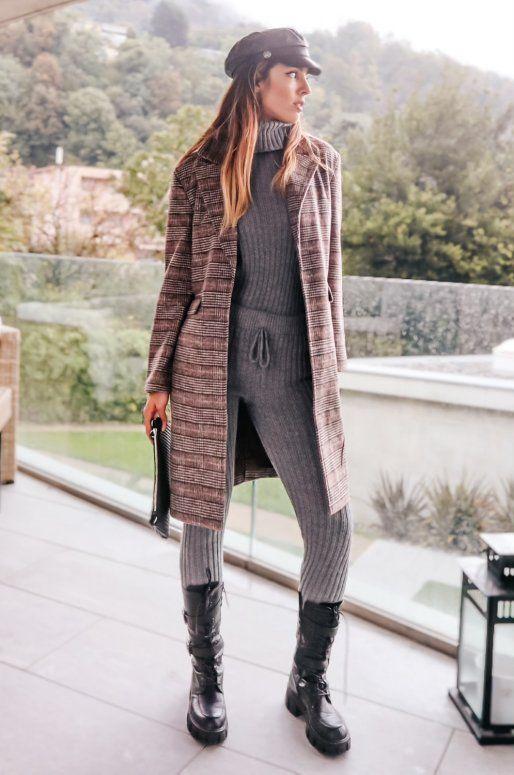Manteau brun foncé à carreaux style boyfriend