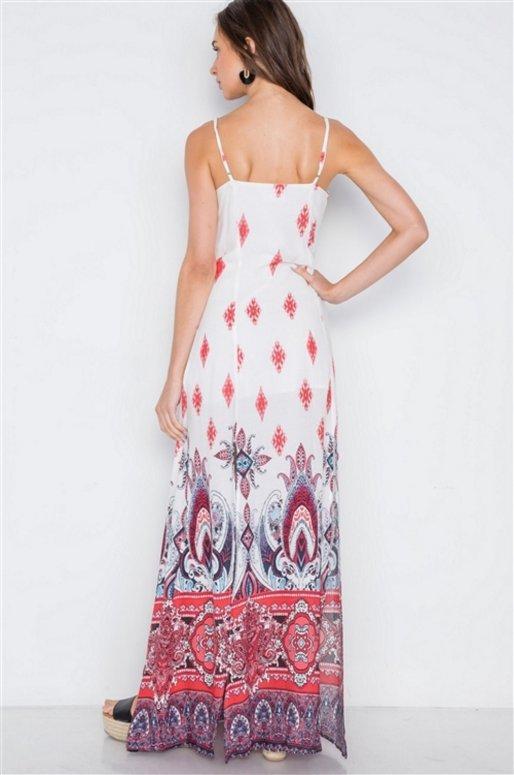 Longue robe blanche fendue, imprimé cachemire