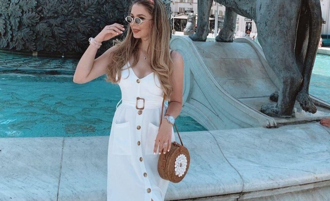 Les robes boutonnées sur le devant,  un incontournable cet été